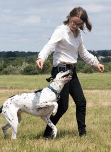 Sophie avec Jager qui boite en marchant