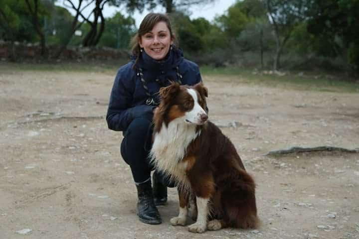 Mélanie et son chien berger australien