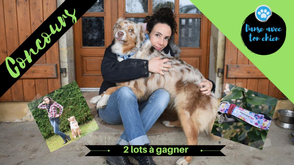 lots à gagner et femme avec son chien dans les bras