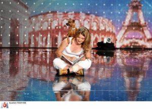 show dog dancing houria pinsher