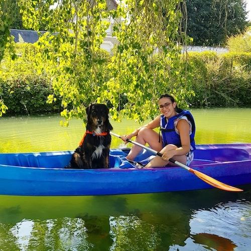 canoe avec son chien